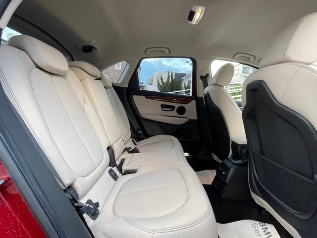 218dアクティブツアラー セレクション ・特別使用車・アクティブクルーズコントロール・LEDjヘッドライト・ブレーキ軽減システム・レーンディパチャーウォーニング・SOSコール・コネクティッドドライブ・オートトランク・ヘッドアップディスプレイ(32枚目)