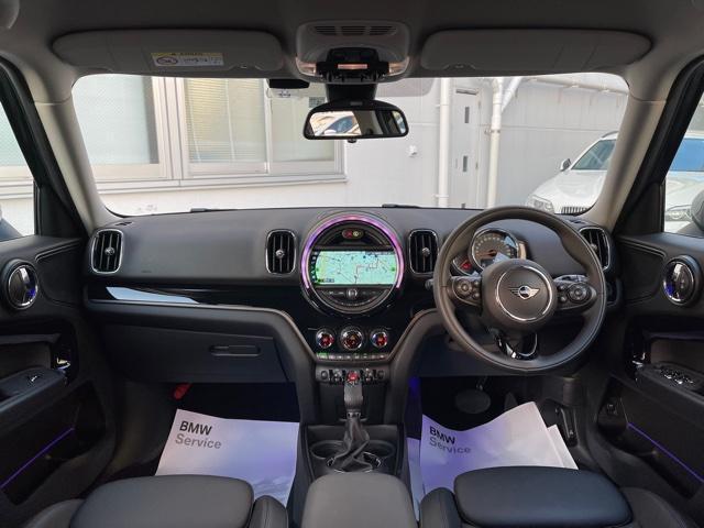 クロスオーバー ノーフォークエディション レザレットシート・限定車・ブレーキ軽減・Bカメラ・PDCセンサー・LEDヘッドライト・ミラーETC・シートヒーター・オートトランク・SOSコール・ピクニックベンチ・アクティブクルーズコントロールF60(6枚目)