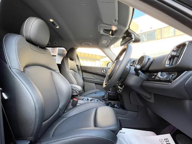 クロスオーバー ノーフォークエディション レザレットシート・限定車・ブレーキ軽減・Bカメラ・PDCセンサー・LEDヘッドライト・ミラーETC・シートヒーター・オートトランク・SOSコール・ピクニックベンチ・アクティブクルーズコントロールF60(12枚目)