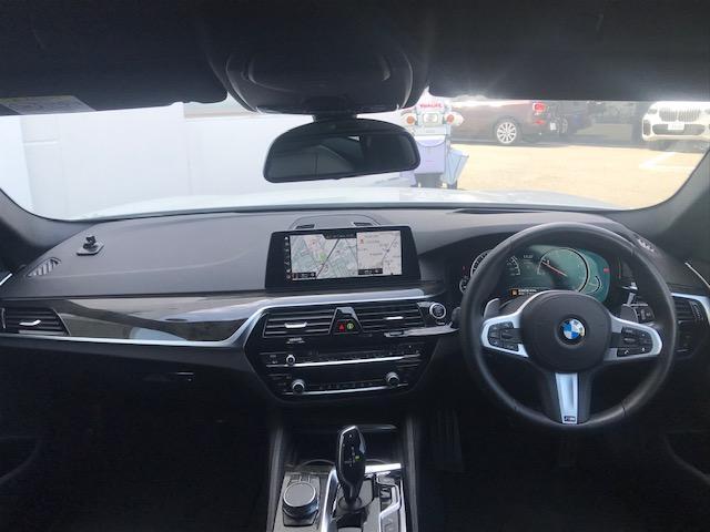 523dツーリング Mスポーツ ハイラインパッケージ コンフォートアクセス・アクティブクルーズコントロール・シートヒーター・ブラックレザー・電動トランク・ヘッドアップディスプレイ・LEDヘッドライト・純正HDDナビ・ミュージックサーバー・フルセグ・G31(6枚目)