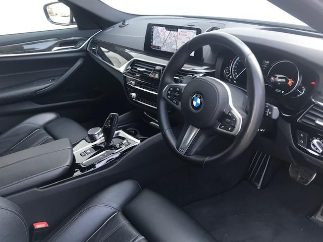 523dツーリング Mスポーツ ハイラインパッケージ コンフォートアクセス・アクティブクルーズコントロール・シートヒーター・ブラックレザー・電動トランク・ヘッドアップディスプレイ・LEDヘッドライト・純正HDDナビ・ミュージックサーバー・フルセグ・G31(12枚目)