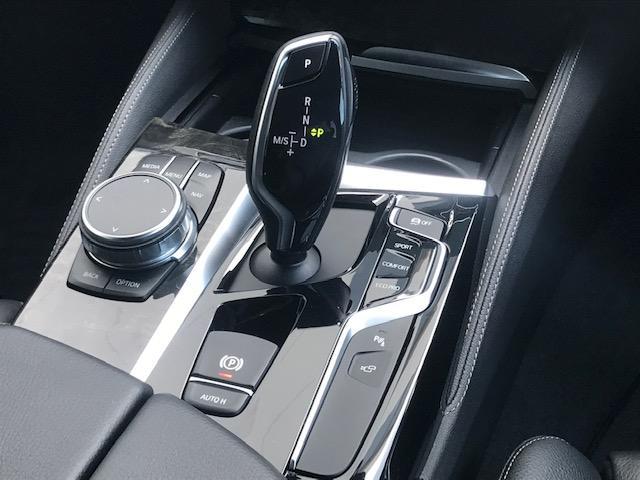 523dツーリング Mスポーツ ハイラインパッケージ コンフォートアクセス・アクティブクルーズコントロール・シートヒーター・ブラックレザー・電動トランク・ヘッドアップディスプレイ・LEDヘッドライト・純正HDDナビ・ミュージックサーバー・フルセグ・G31(17枚目)