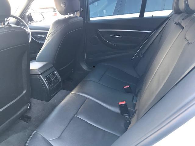 320d Mスポーツ ・アクティブクルーズコントロール・コンフォートアクセス・オプションホイール・LEDヘッドライト・ブラックレザー・シートヒーター・バックカメラ・PDCセンサー・純正HDDナビ・シートヒーター・F30・(24枚目)
