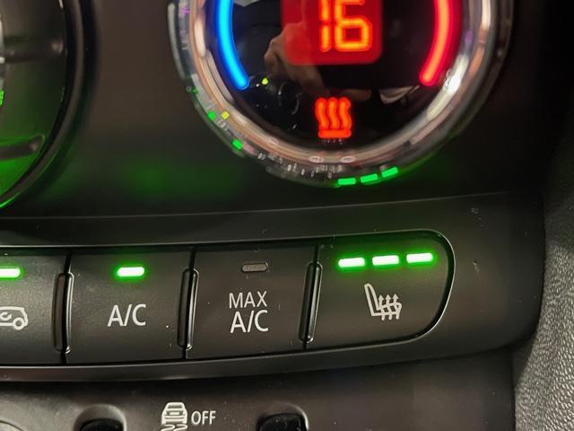 クーパーS 純正HDDナビ・バックカメラ・PDCセンサー・地デジ・アクティブクルーズコントロール・ドライブアシスト・ユアーズパッケージ・ミラーETC・ブラックレザーシート・ミラー内蔵ETC・オプションAW・F55(20枚目)