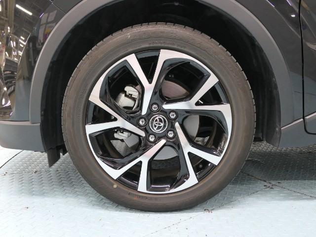 トヨタ C-HR G-T 4WDターボ 本革 流れるウィンカー