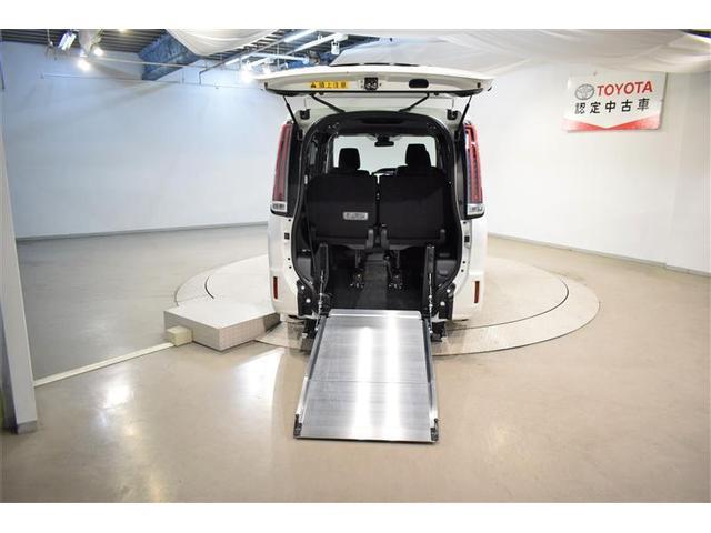 XIウェルキャブ フルセグ DVD再生 バックカメラ 衝突被害軽減システム ETC 両側電動スライド LEDヘッドランプ ウオークスルー 乗車定員7人 3列シート アイドリングストップ(10枚目)