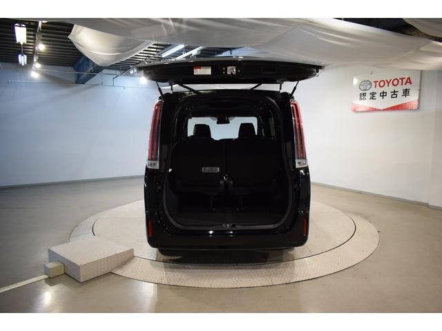 ハイブリッドGi フルセグ DVD再生 バックカメラ 衝突被害軽減システム ETC 両側電動スライド LEDヘッドランプ 乗車定員7人 3列シート(8枚目)