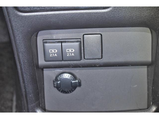 ハイブリッドGi フルセグ DVD再生 バックカメラ 衝突被害軽減システム ETC 両側電動スライド LEDヘッドランプ 乗車定員7人 3列シート(25枚目)