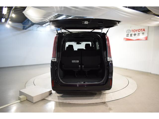 Xi ワンセグ メモリーナビ ミュージックプレイヤー接続可 バックカメラ 衝突被害軽減システム ETC 両側電動スライド LEDヘッドランプ ウオークスルー 乗車定員8人 3列シート アイドリングストップ(8枚目)