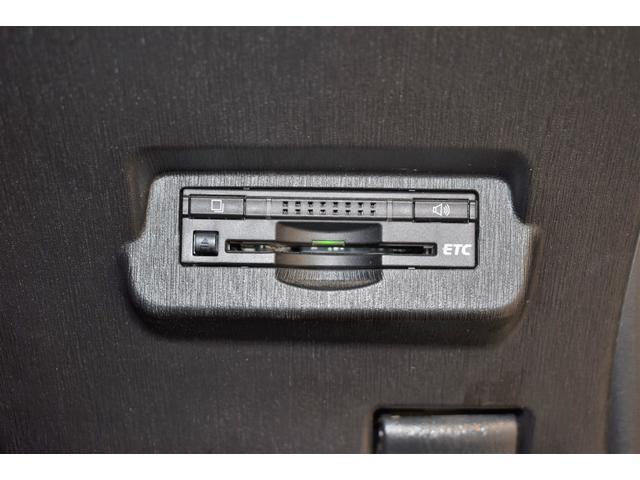 綺麗に取り付けられたビルトインETC!各種割引をご利用して頂き、ドライブを満喫下さいませ(^^♪