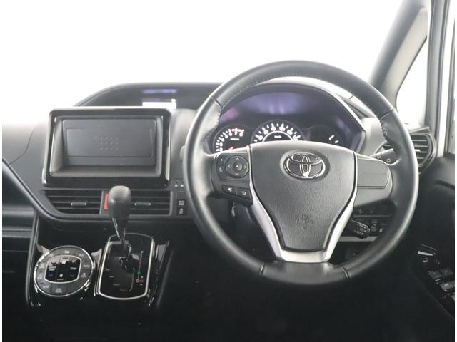 ZS トヨタ認定中古車 衝突被害軽減ブレーキ 車線逸脱警報装置 先進ライト フルフラット 純正アルミ フルエアロ LEDヘッドライト 片側電動スライドドア ETC バックカメラ ワンオーナー車 スマートキー(4枚目)