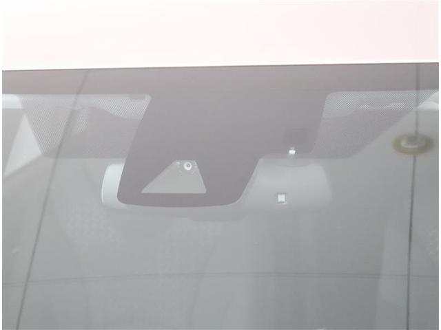 Sセーフティプラス トヨタ認定中古車 9インチTコネクトナビ 衝突被害軽減ブレーキ ペダル踏み間違い加速抑制装置 LEDヘッドライト スマートキー バックカメラ ワンオーナー車(17枚目)