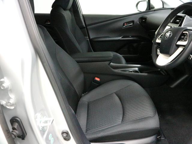 運転席での操作もしやすいので是非一度座ってみて下さい♪