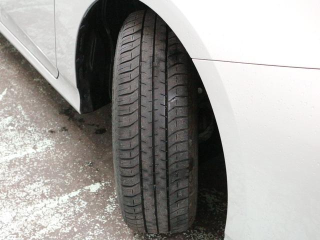 タイヤの残り溝は約4mmm♪