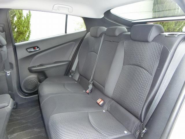 トヨタ プリウス S セーフティセンス
