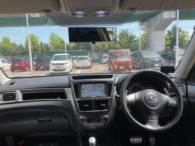 2.0GT 社外 7インチ メモリーナビ/シート ハーフレザー/ヘッドランプ HID/ETC/EBD付ABS/TV/エアバッグ 運転席/エアバッグ 助手席/アルミホイール/パワーウインドウ/オートエアコン 4WD(4枚目)