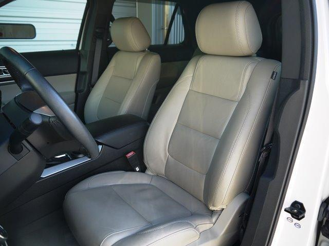 XLT エコブースト 正規ディーラー車 3列シート レザーシート シートヒーター パワーシート サイドステップ フロント/サイド/リアカメラ オートエアコン 純正18インチアルミ(11枚目)