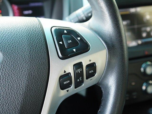 XLT エコブースト 正規ディーラー車 3列シート レザーシート シートヒーター パワーシート サイドステップ フロント/サイド/リアカメラ オートエアコン 純正18インチアルミ(14枚目)