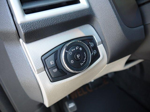XLT エコブースト 正規ディーラー車 3列シート レザーシート シートヒーター パワーシート サイドステップ フロント/サイド/リアカメラ オートエアコン 純正18インチアルミ(21枚目)