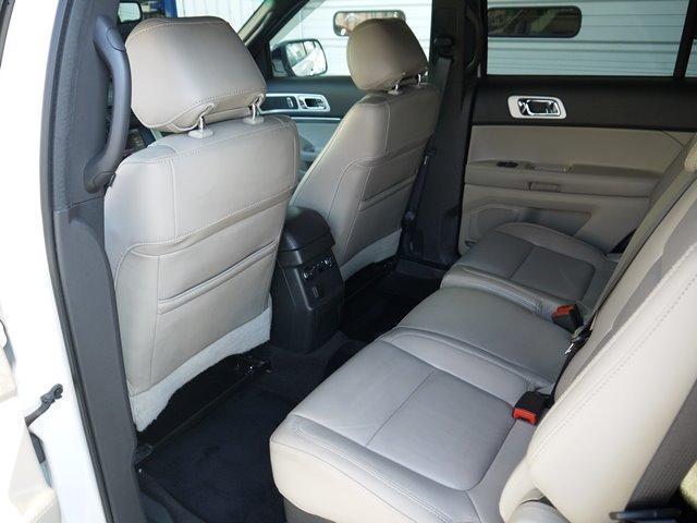XLT エコブースト 正規ディーラー車 3列シート レザーシート シートヒーター パワーシート サイドステップ フロント/サイド/リアカメラ オートエアコン 純正18インチアルミ(25枚目)