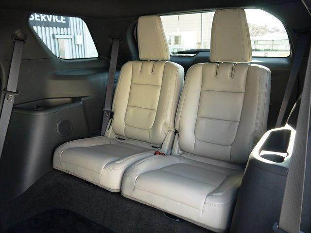 XLT エコブースト 正規ディーラー車 3列シート レザーシート シートヒーター パワーシート サイドステップ フロント/サイド/リアカメラ オートエアコン 純正18インチアルミ(28枚目)