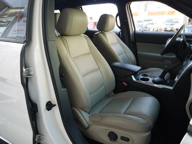 XLT エコブースト 正規ディーラー車 3列シート レザーシート シートヒーター パワーシート サイドステップ フロント/サイド/リアカメラ オートエアコン 純正18インチアルミ(31枚目)