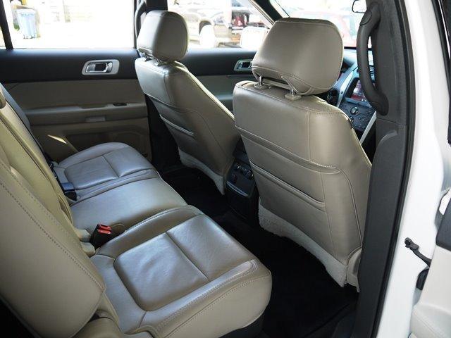 XLT エコブースト 正規ディーラー車 3列シート レザーシート シートヒーター パワーシート サイドステップ フロント/サイド/リアカメラ オートエアコン 純正18インチアルミ(33枚目)