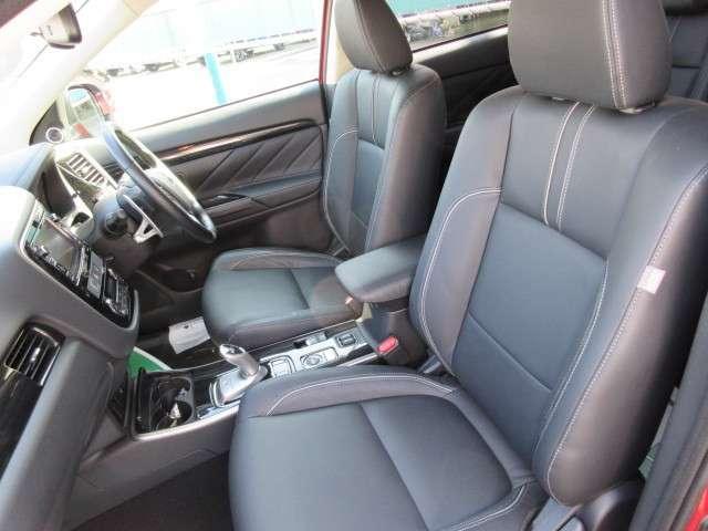 三菱 アウトランダーPHEV 2.0 G プレミアムパッケージ 4WD ロックフォード