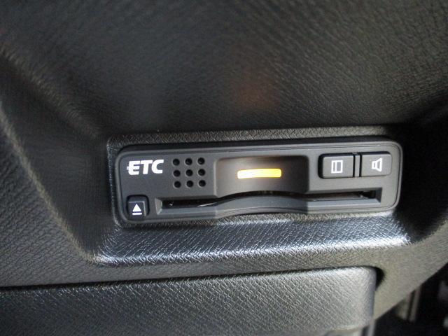 Z クールスピリット インターナビ セレクション 1オーナー フルセグ アラウンドモニター WIエアバック オートエアコン ステアリングスイッチ パドルシフト クルーズコントロール 17インチアルミ ハーフレザーシート スマートキー(24枚目)