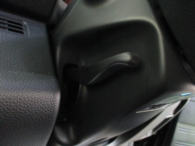 クール・ホンダセンシング ワンオーナー SDナビ フルセグ ブルートゥース ミュージックサーバー バックカメラ オートエアコン ステアリングスイッチ リアワイパー オートライト フォグライト スマートキー プッシュスタート(23枚目)