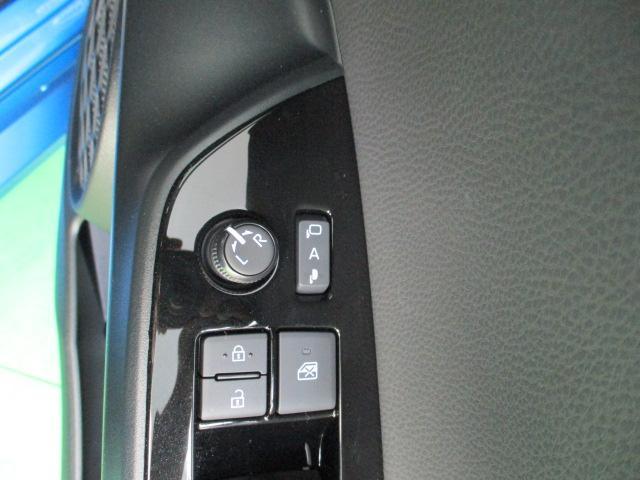Sツーリングセレクション ワンオーナー 9インチメモリーナビ フルセグ バックカメラ ブルートゥース ミュージックサーバー オートエアコン ステアリングスイッチ オートライト ETC LEDヘッドライト フォグライト(24枚目)