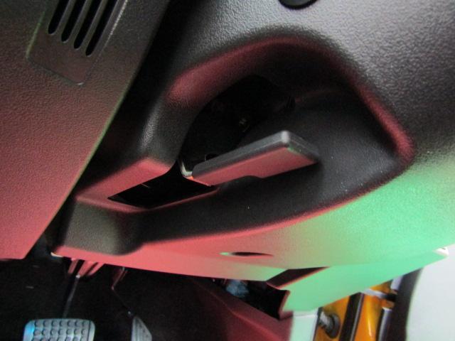 ローブ SDナビ フルセグ ETC ステアリングスイッチ オートエアコン スマートキー プッシュスタート アイドリングストップ シートヒーター チルトステア LEDヘッド アルミホイール(12枚目)