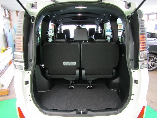 ZS 煌III LEDヘッドライト アイドリングストップ 両側パワースライドドア ライト付バニティミラー ABS ハーフレザーシート チルトステアリング シートリフター オートリトラミラー 16インチアルミ(7枚目)