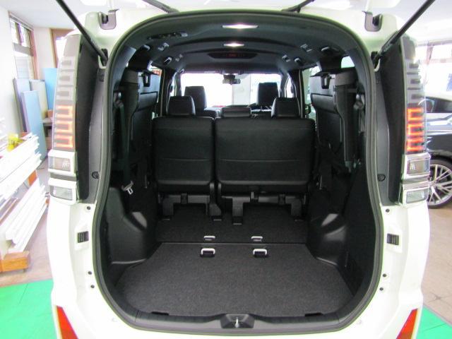 ZS 煌III LEDヘッドライト アイドリングストップ 両側パワースライドドア ライト付バニティミラー ABS ハーフレザーシート チルトステアリング シートリフター オートリトラミラー 16インチアルミ(8枚目)