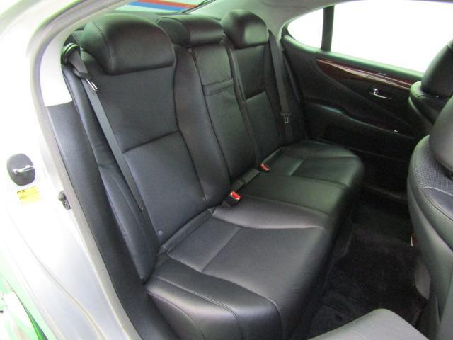 LS460 バージョンS イージークローズドア ステアリングスイッチ CD パワートランク レクサスプレミアムサウンド ウッドコンビハンドル シートヒーター シートエアコン オートリトラミラー 19インチアルミホイール PCS(5枚目)
