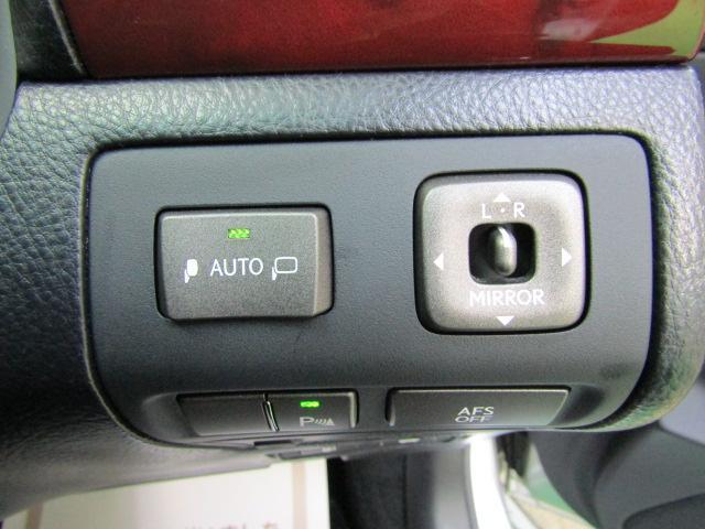 LS460 バージョンS イージークローズドア ステアリングスイッチ CD パワートランク レクサスプレミアムサウンド ウッドコンビハンドル シートヒーター シートエアコン オートリトラミラー 19インチアルミホイール PCS(19枚目)