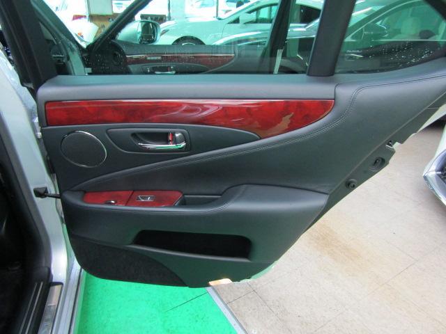 LS460 バージョンS イージークローズドア ステアリングスイッチ CD パワートランク レクサスプレミアムサウンド ウッドコンビハンドル シートヒーター シートエアコン オートリトラミラー 19インチアルミホイール PCS(38枚目)