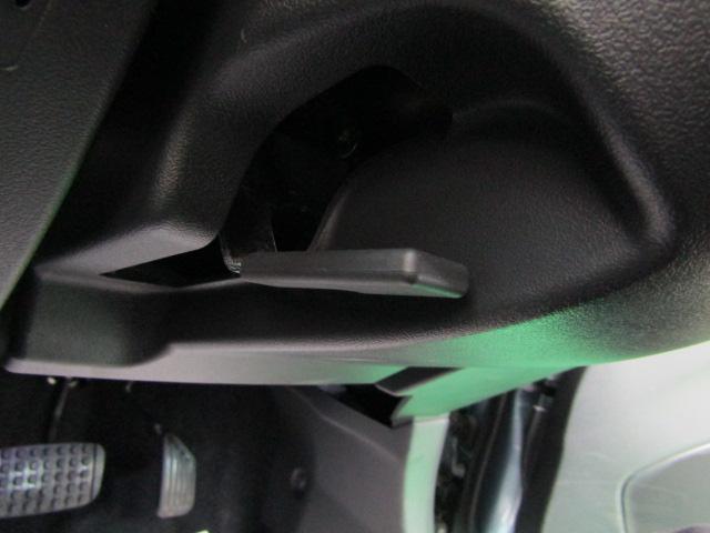 ローブ LEDヘッドライト フォグライト オートライト アイドリングストップ 16インチアルミ バックカメラ オートエアコン プッシュスタート ステアリングスイッチ チルトステア フルセグ ブルートゥース(16枚目)