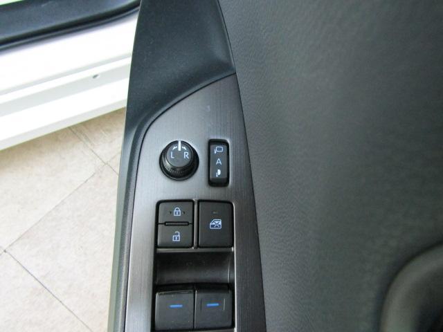 Sナビパッケージ・GRスポーツ ワンオーナー ステアリングスイッチ LEDヘッドライト フォグライト バックフォグ シートヒーター チルトステア ABS スマートキー オートリトラミラー 18インチアルミ プッシュスタート(25枚目)