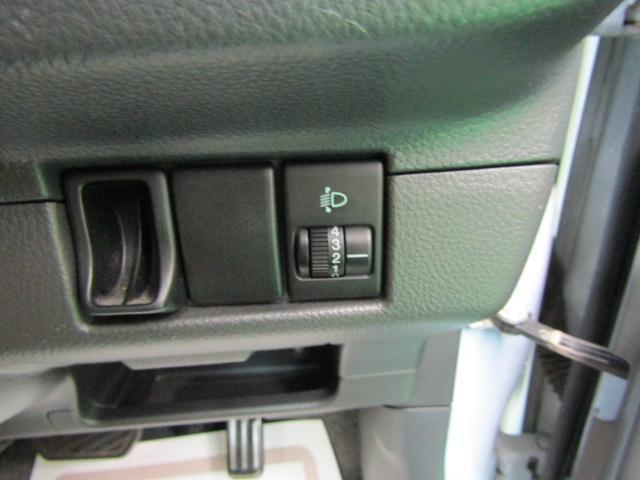L ワンオーナー キーレス ヘッドライトレベライザー ABS 電動格納ミラー ベンチシート バニティミラー シートリフター 13インチアルミホイール プライバシーガラス パワーウィンドウ Wエアバック(14枚目)
