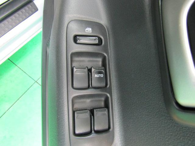 L ワンオーナー キーレス ヘッドライトレベライザー ABS 電動格納ミラー ベンチシート バニティミラー シートリフター 13インチアルミホイール プライバシーガラス パワーウィンドウ Wエアバック(19枚目)