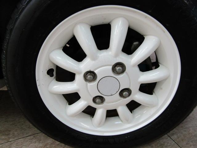 L ワンオーナー キーレス ヘッドライトレベライザー ABS 電動格納ミラー ベンチシート バニティミラー シートリフター 13インチアルミホイール プライバシーガラス パワーウィンドウ Wエアバック(24枚目)
