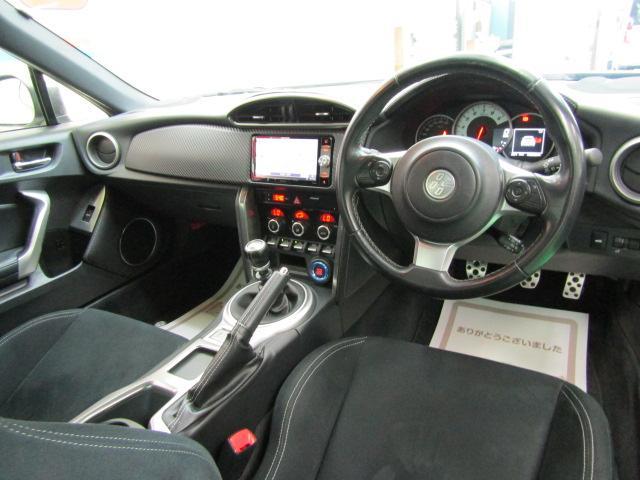 GT ワンオーナー SDナビ フルセグ ブルートゥース バックカメラ ABS オートエアコン ステアリングスイッチ オートライト LEDヘッドライト スマートキー クルーズコントロール 柿本改マフラー(2枚目)