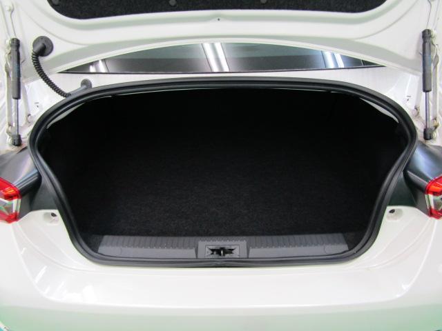 GT ワンオーナー SDナビ フルセグ ブルートゥース バックカメラ ABS オートエアコン ステアリングスイッチ オートライト LEDヘッドライト スマートキー クルーズコントロール 柿本改マフラー(6枚目)