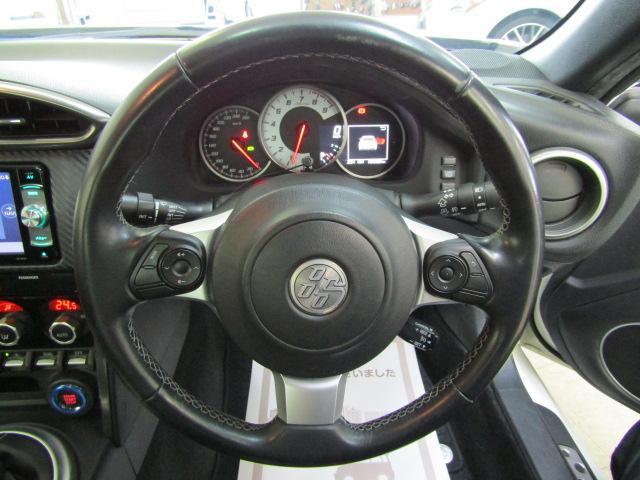 GT ワンオーナー SDナビ フルセグ ブルートゥース バックカメラ ABS オートエアコン ステアリングスイッチ オートライト LEDヘッドライト スマートキー クルーズコントロール 柿本改マフラー(13枚目)