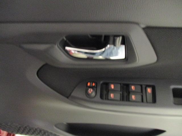 届出済未使用車のムーヴです♪スマアシ バックカメラ付 R2年式 走行5km どなたでも運転しやすいムーヴです