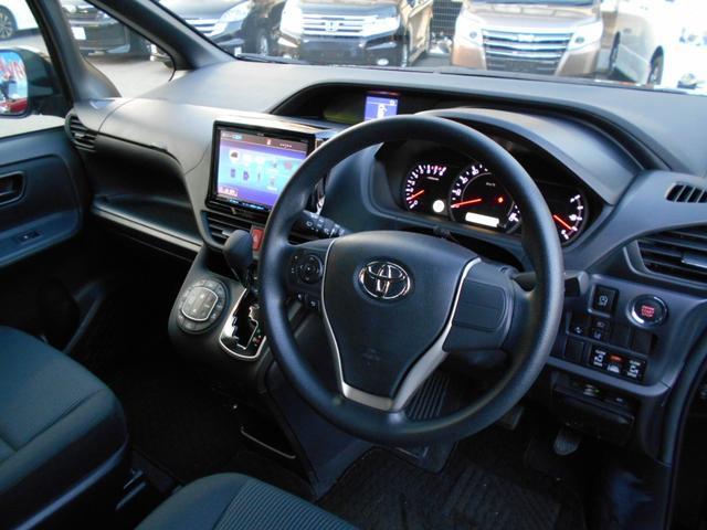 トヨタ ノア X ディライトプラス 衝突回避支援 後席モニター 大画面ナビ