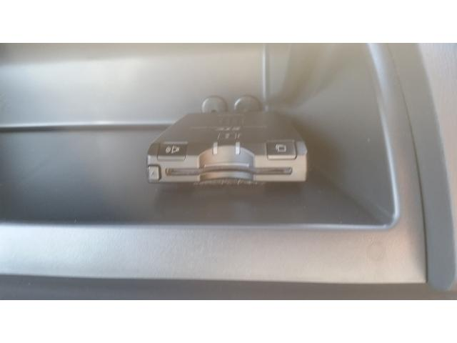 トヨタ ノア YY フルセグHDDナビ リアカメラ オリジナルベッドキット