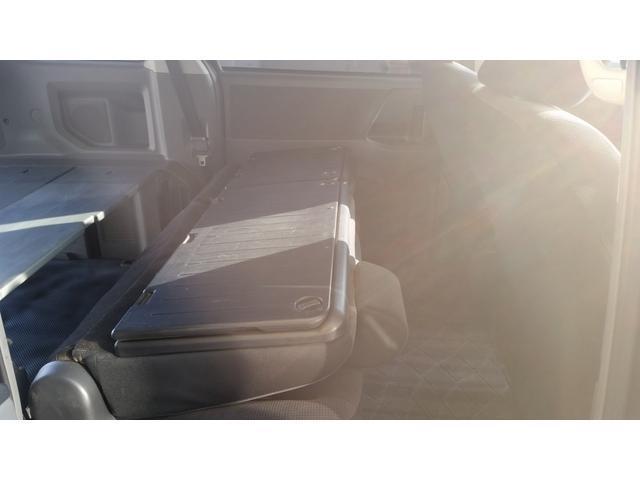 トヨタ ノア YY 社外地デジHDDナビ オリジナルベッドキット HID