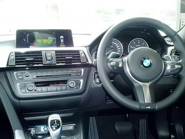 BMW BMW 320i Mスポーツ 当店デモカー